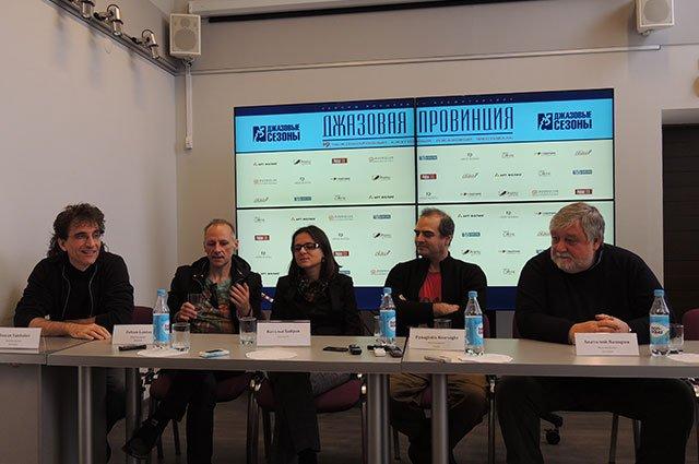 Репортажи с пресс-конференции — «Аргументы и факты»